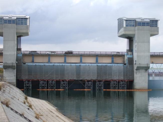 紀の川大堰ゲート設備修繕工事